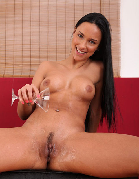 Victoria Sweet Wet With Piss